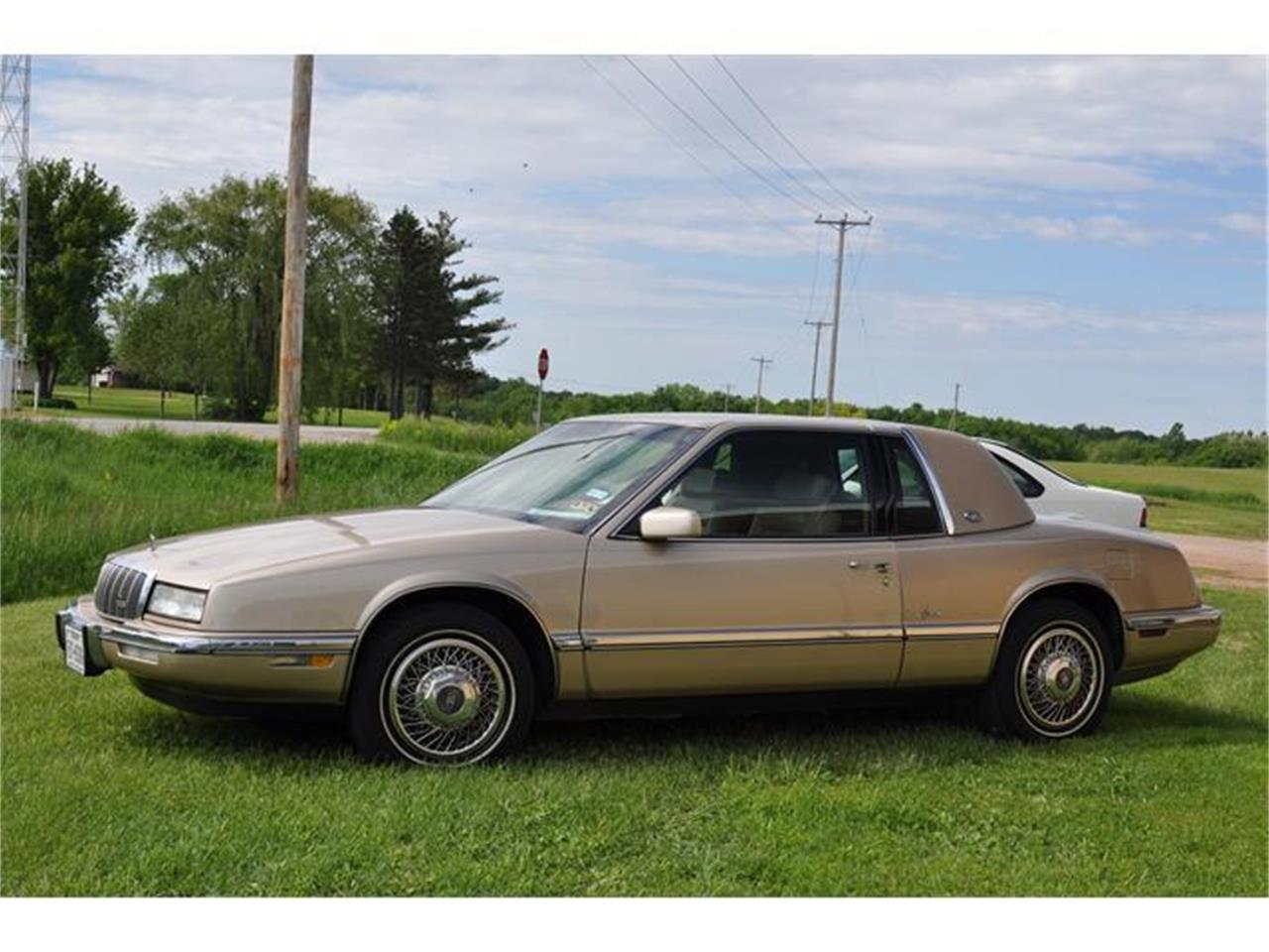Large Picture of '92 Riviera located in Watertown Minnesota Offered by Hooked On Classics - EKN8
