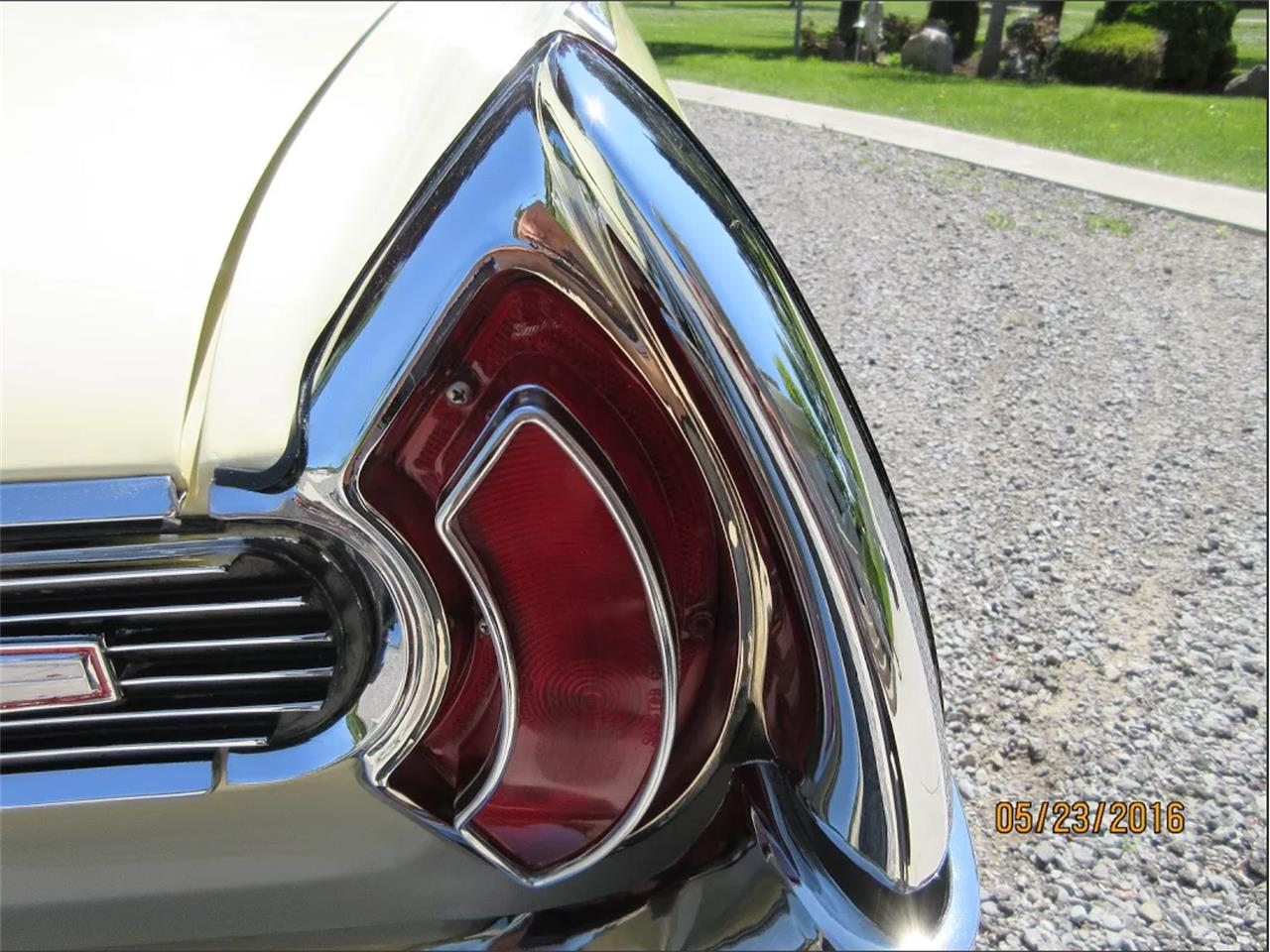 Large Picture of '62 Pontiac Grand Prix located in Toronto Ontario Auction Vehicle - EP3B