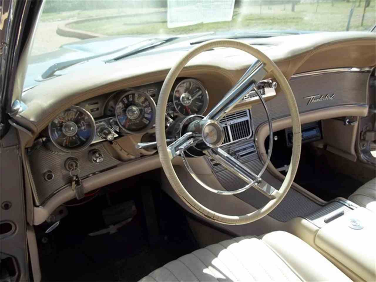 Large Picture of '62 Thunderbird - ET94