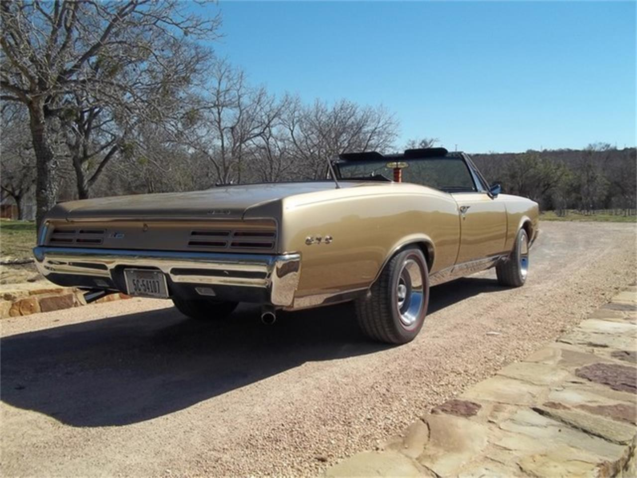 Large Picture of '67 GTO located in Liberty Hill Texas Offered by TX Collector Classic Cars - ET97