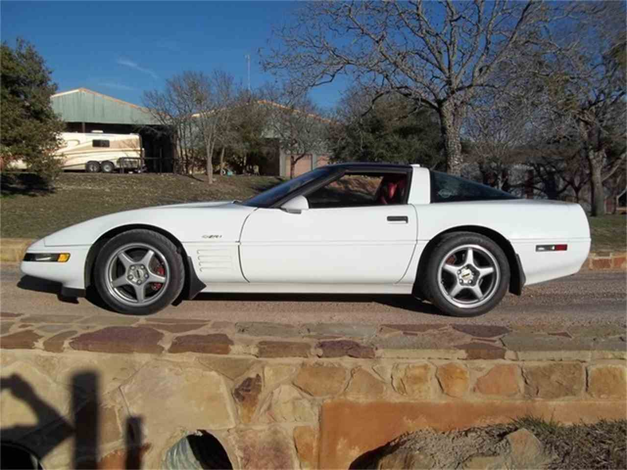 Large Picture of 1991 Chevrolet Corvette located in Liberty Hill Texas - ET9G