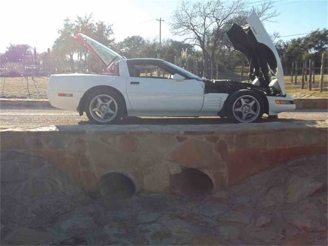 Large Picture of 1991 Chevrolet Corvette located in Liberty Hill Texas - $24,500.00 - ET9G