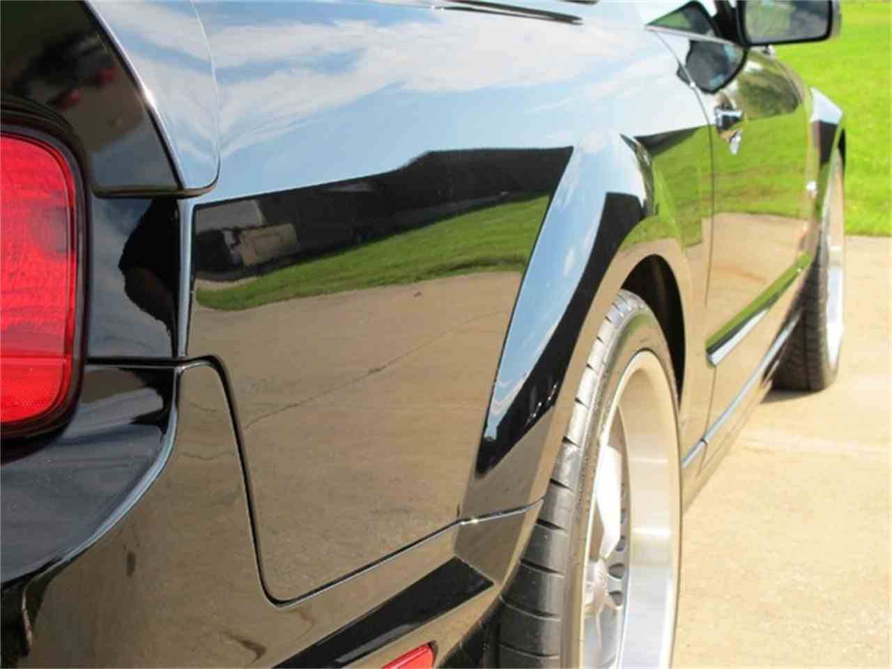 Large Picture of '06 Ford Mustang Offered by R&H Motor Car Group - ETC2