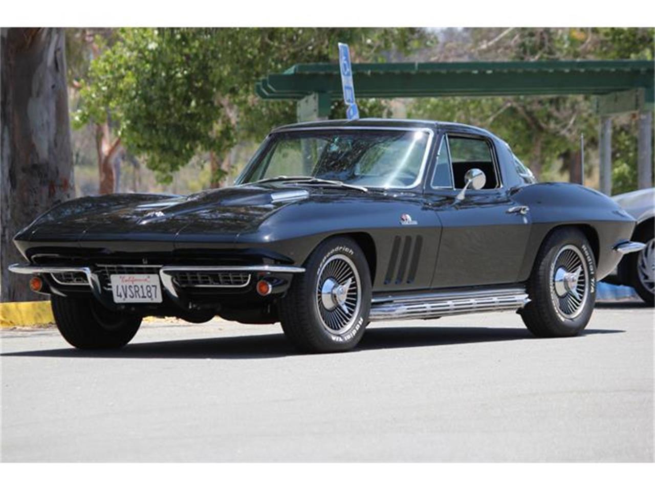 Large Picture of Classic '66 Corvette - EU77
