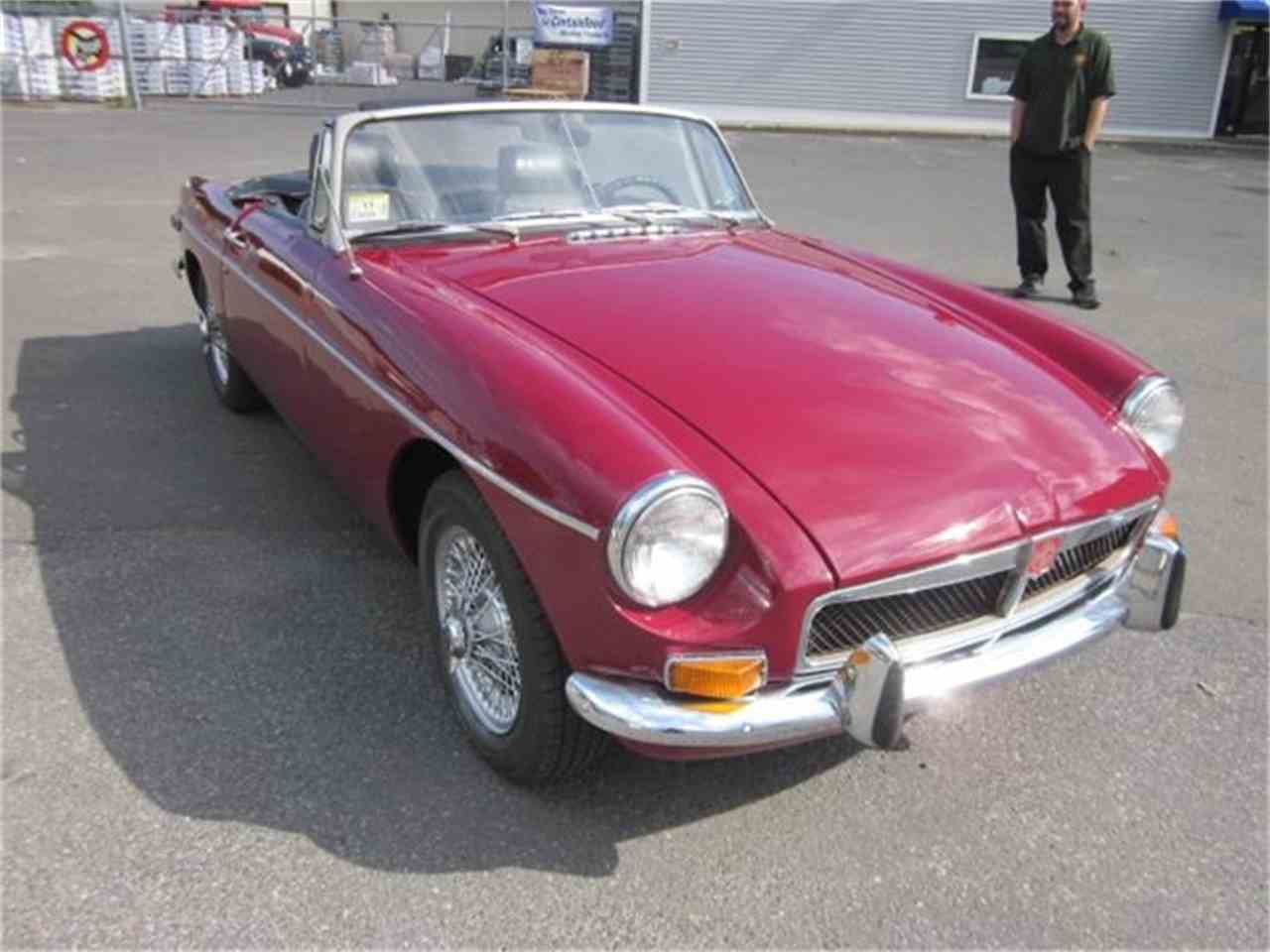 Large Picture of Classic '73 MG MGB located in Connecticut Offered by The New England Classic Car Co. - EUY2
