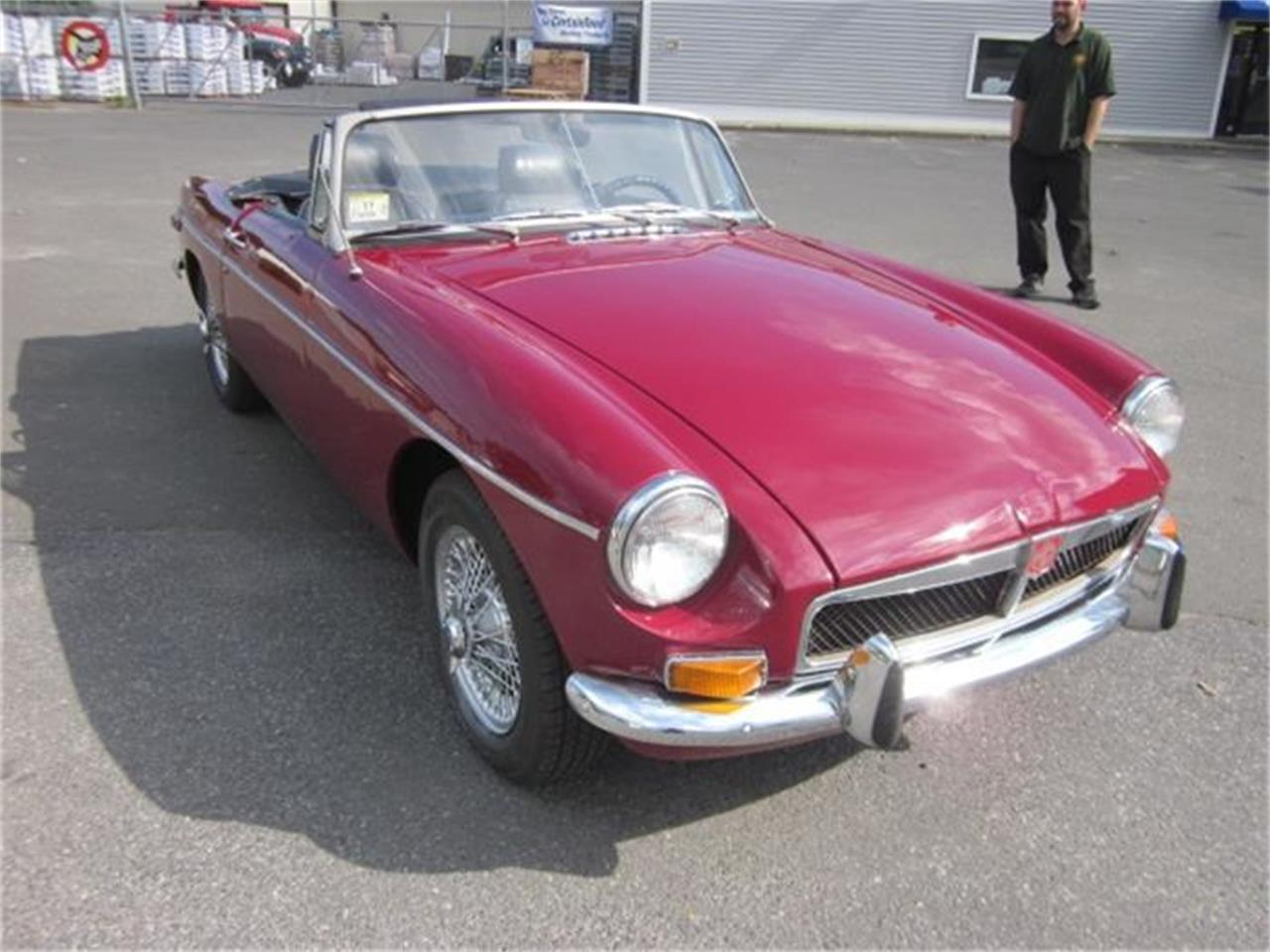 Large Picture of '73 MGB - EUY2
