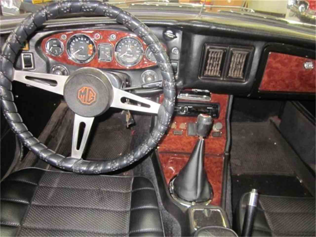 Large Picture of Classic 1973 MGB - $13,900.00 Offered by The New England Classic Car Co. - EUY2