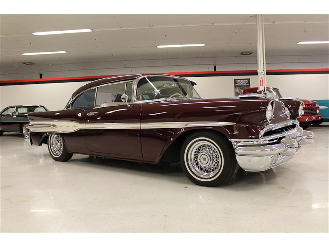 Large Picture of Classic 1957 Pontiac Chieftain - ESOB