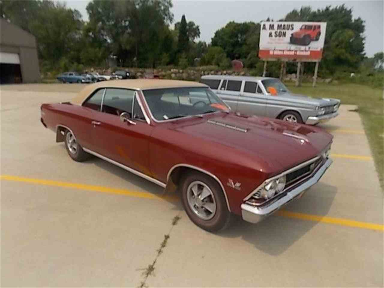 Large Picture of '66 Chevelle - EVEJ