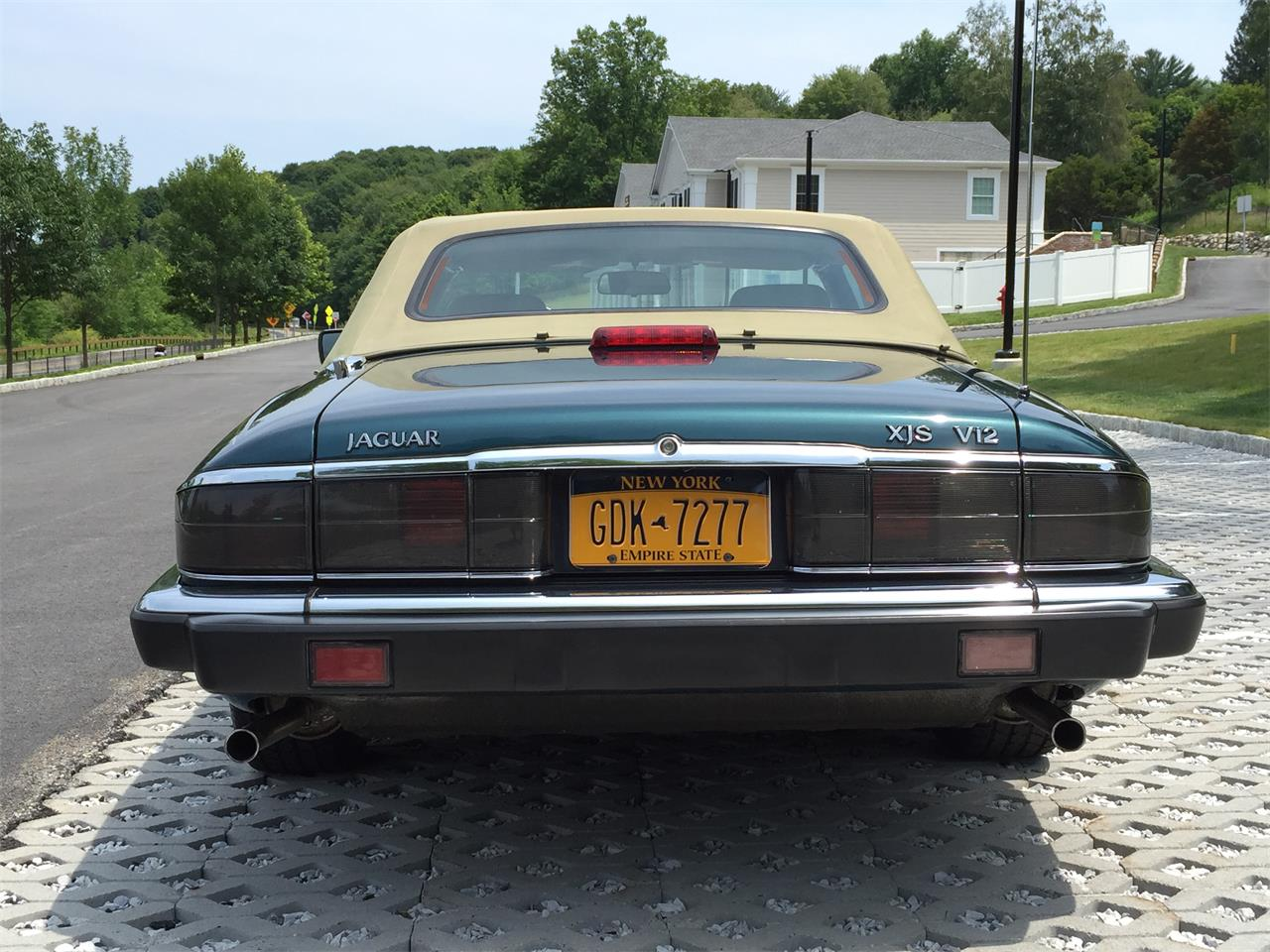 Large Picture of '92 XJS located in New York Offered by a Private Seller - EVKT