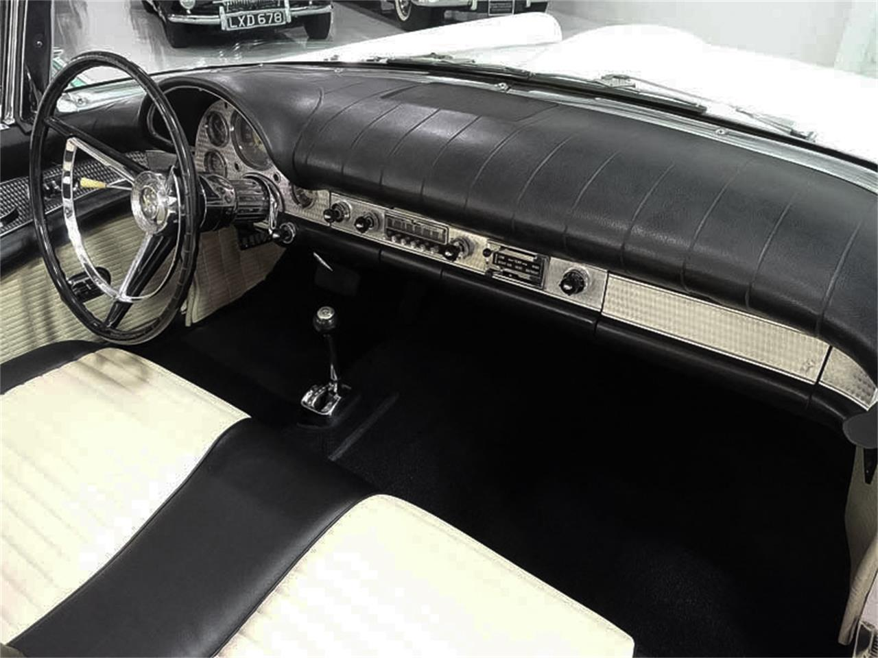 Large Picture of Classic 1957 Thunderbird located in St Ann Missouri - EX4H