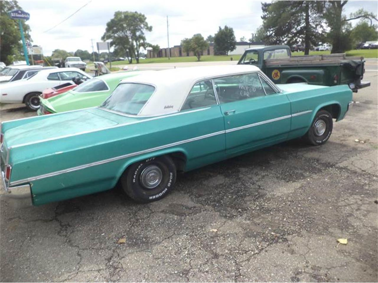 Large Picture of Classic 1963 Oldsmobile 88 - EY47