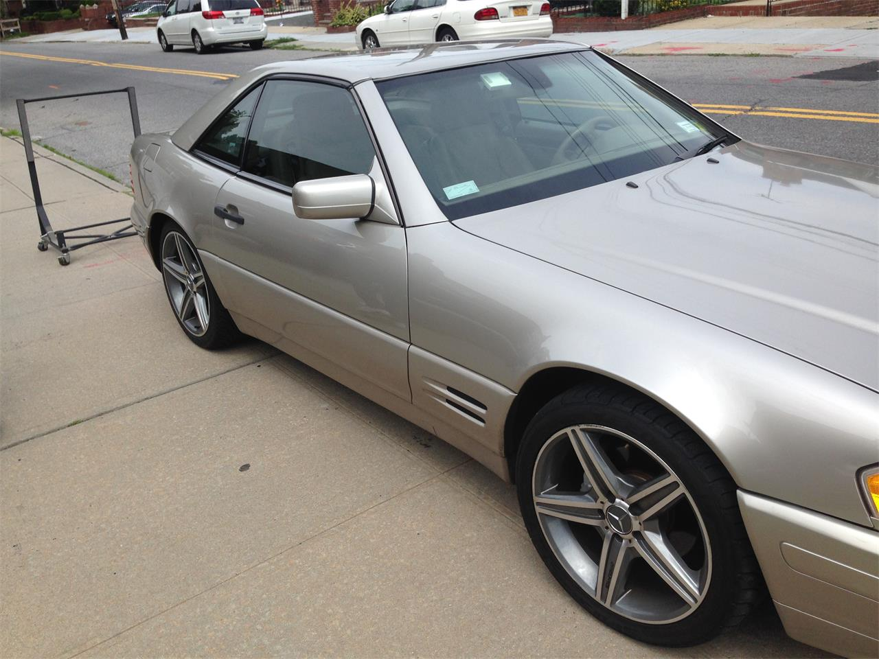 Large Picture of '98 Mercedes-Benz SL500 - EYIB