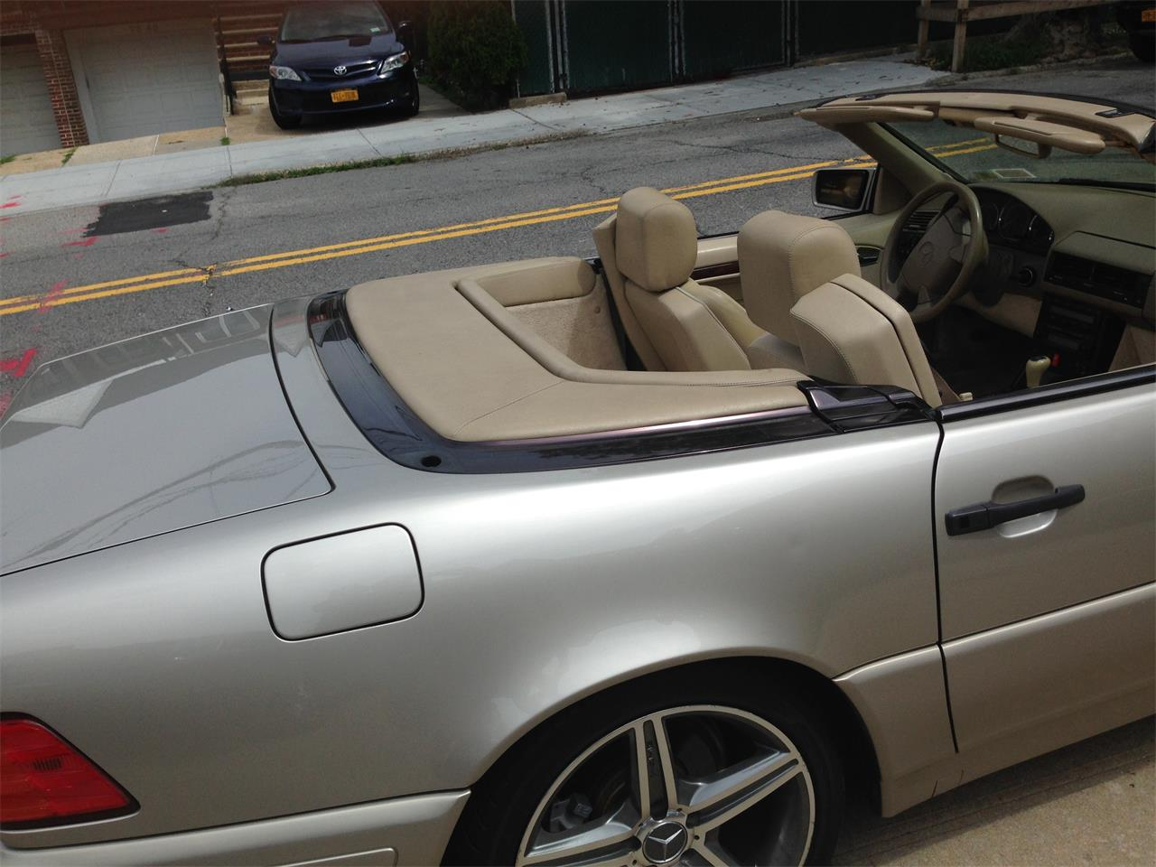 Large Picture of 1998 Mercedes-Benz SL500 Offered by a Private Seller - EYIB