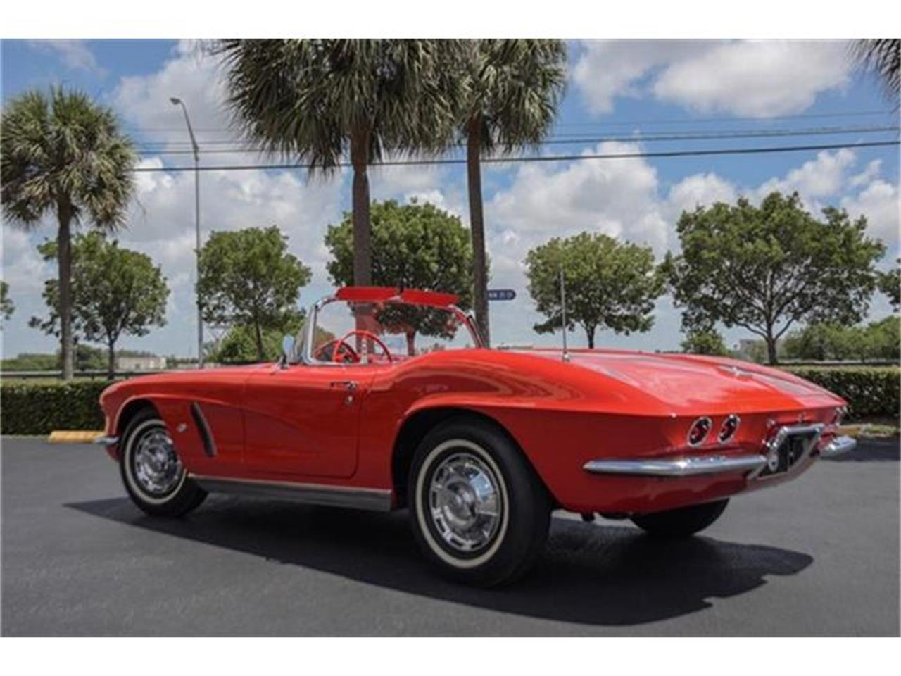 Large Picture of Classic '62 Chevrolet Corvette located in Florida Offered by The Garage - EYPB