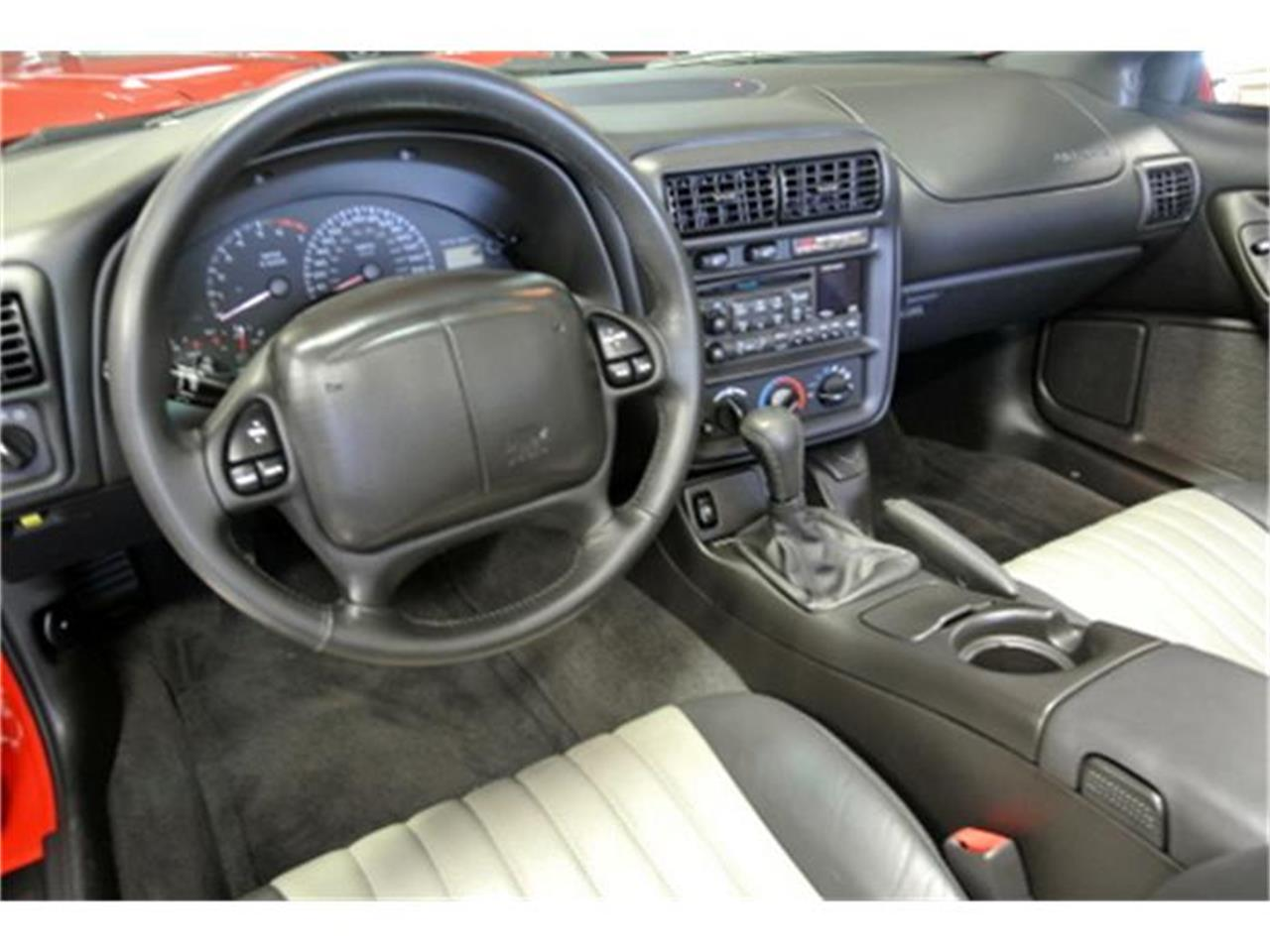 Large Picture of 2002 Chevrolet Camaro - F0Y5