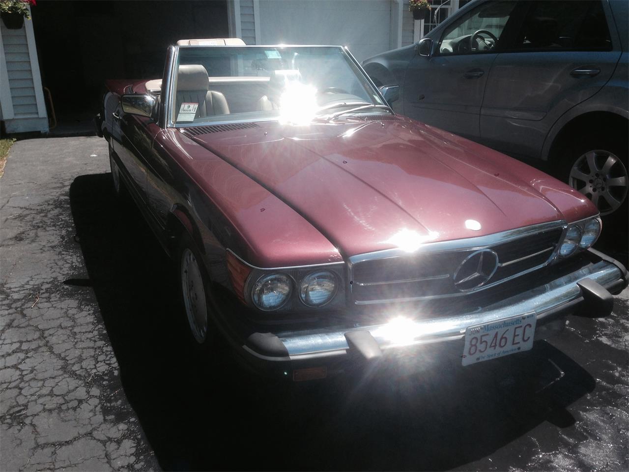 Large Picture of '88 Mercedes-Benz 560SL located in Newburyport Massachusetts - F12H