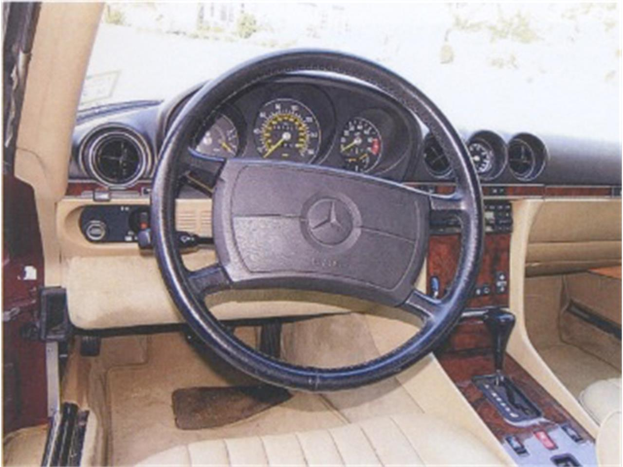 Large Picture of '88 Mercedes-Benz 560SL located in Massachusetts - F12H