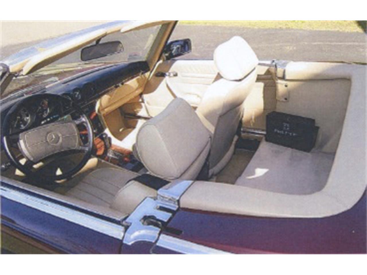 Large Picture of 1988 Mercedes-Benz 560SL located in Newburyport Massachusetts - F12H