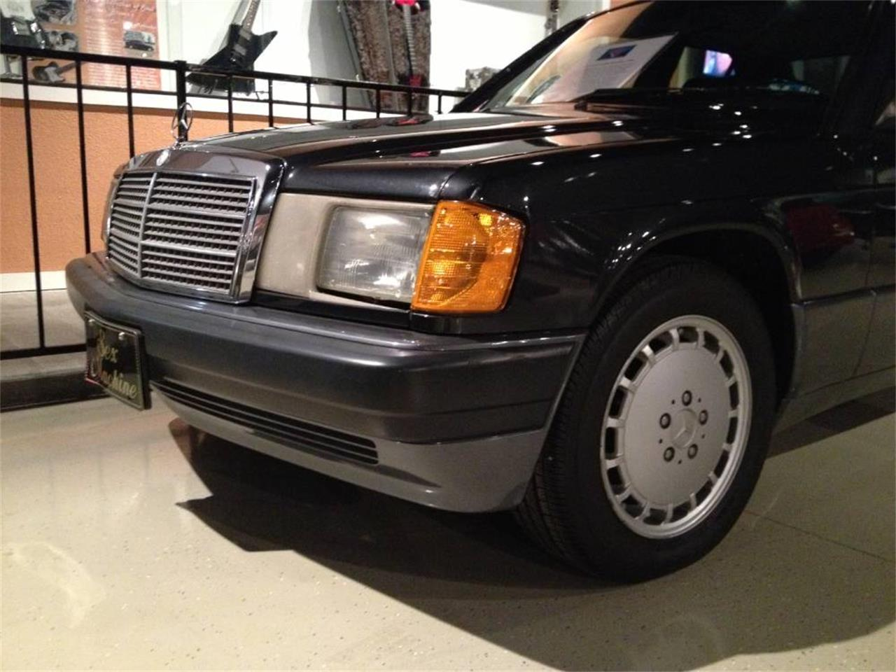Large Picture of 1992 190E located in St. Louis Missouri Offered by MotoeXotica Classic Cars - F1FI