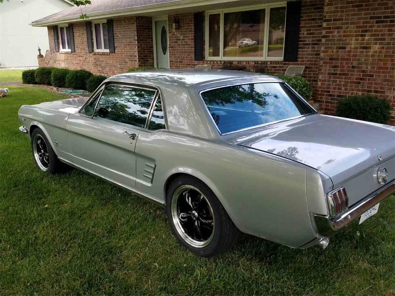 Large Picture of '66 Mustang - F1VG