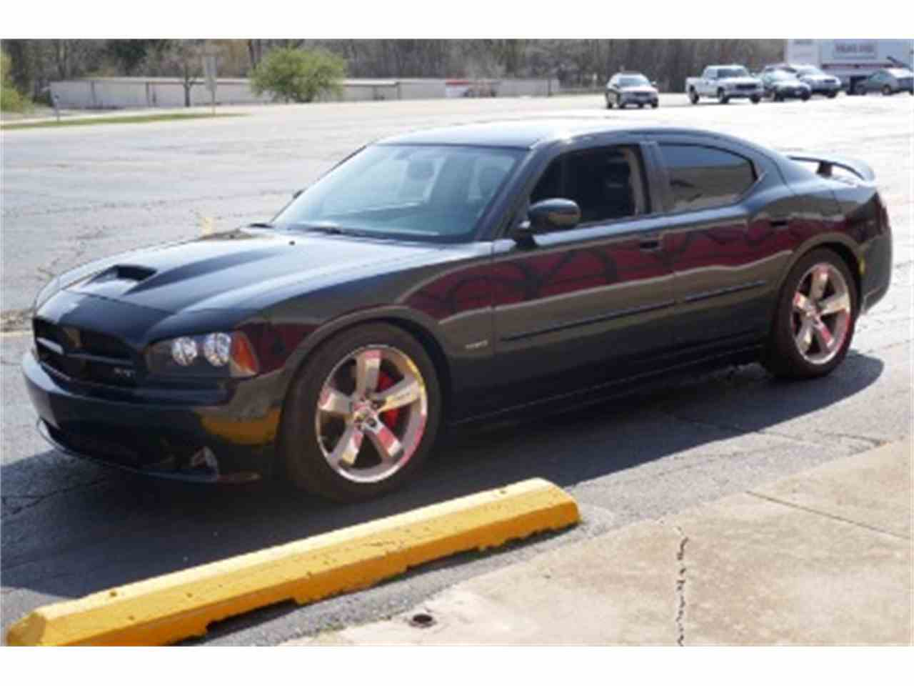 Large Picture of '06 Charger located in Illinois - $45,000.00 - F1X9