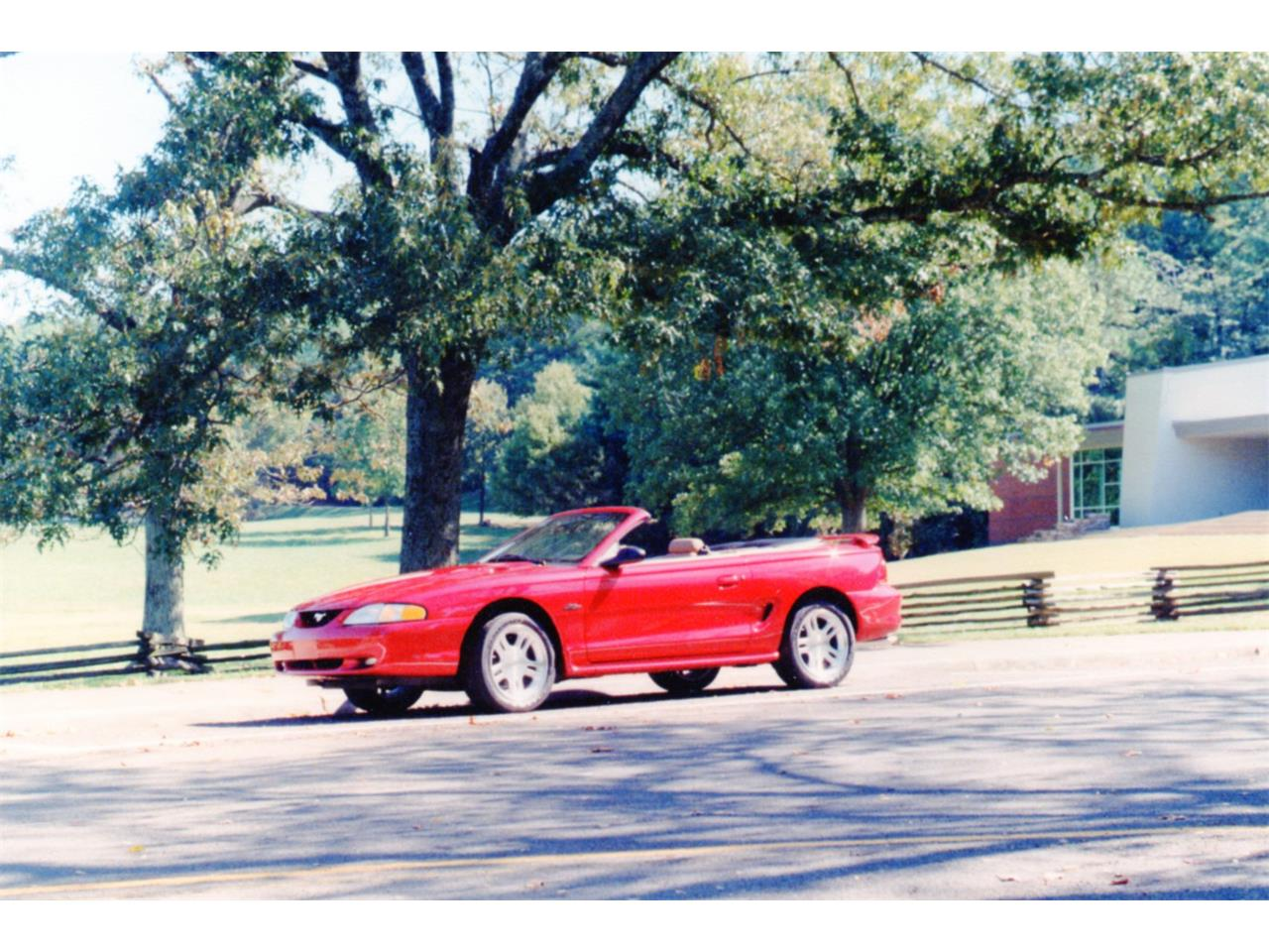 Large Picture of 1998 Ford Mustang GT - F2FF