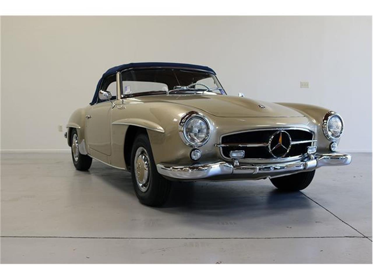 Large Picture of '58 190SL located in Fallbrook California Auction Vehicle Offered by CPR Classic Sales - F45J