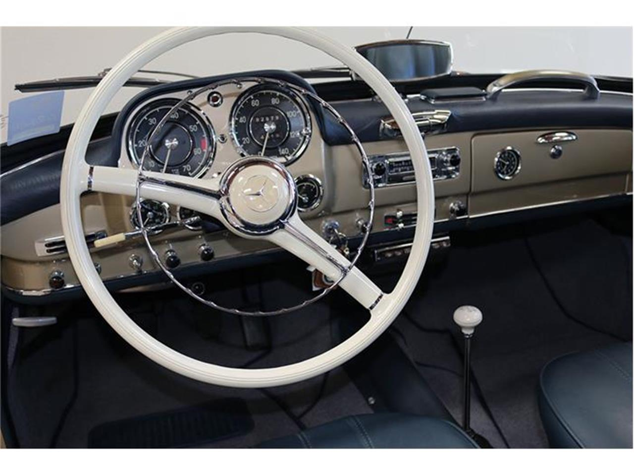 Large Picture of Classic 1958 Mercedes-Benz 190SL located in Fallbrook California Auction Vehicle - F45J