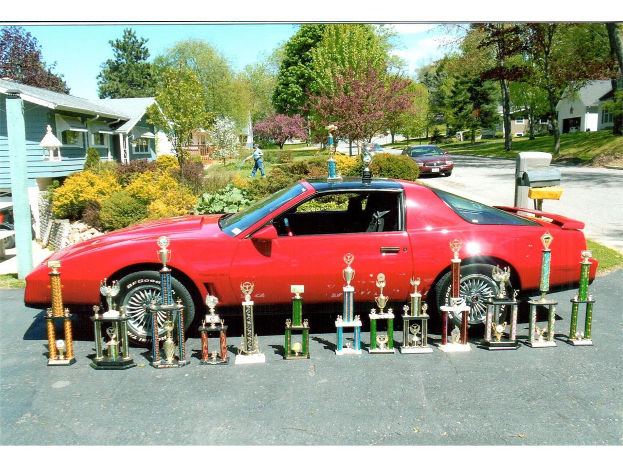 Large Picture of '82 Pontiac Firebird Trans Am located in Baraboo Wisconsin - $15,500.00 - F5WU