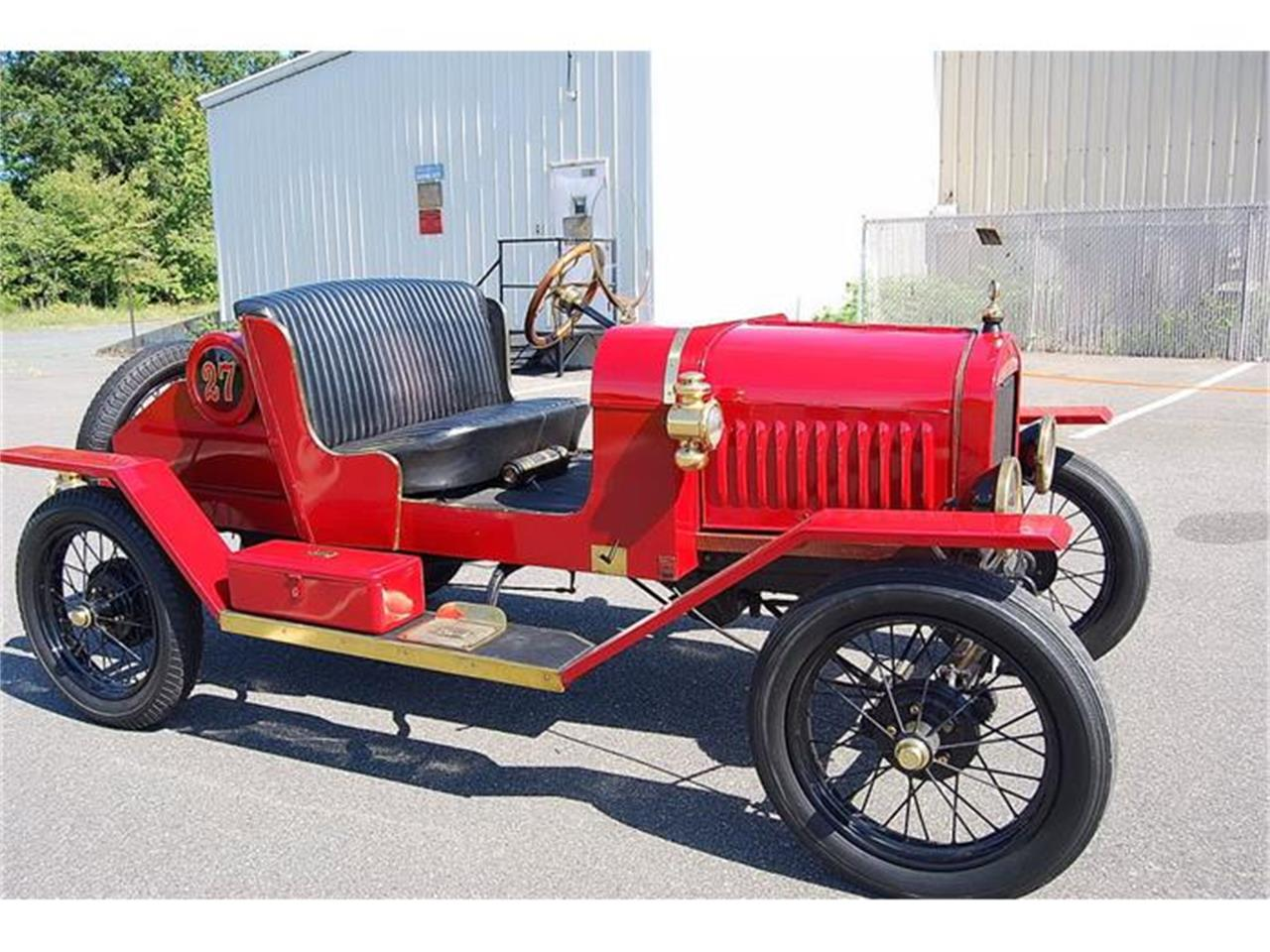 Large Picture of '27 Ford Model T Offered by Classic Car Center - F8OW