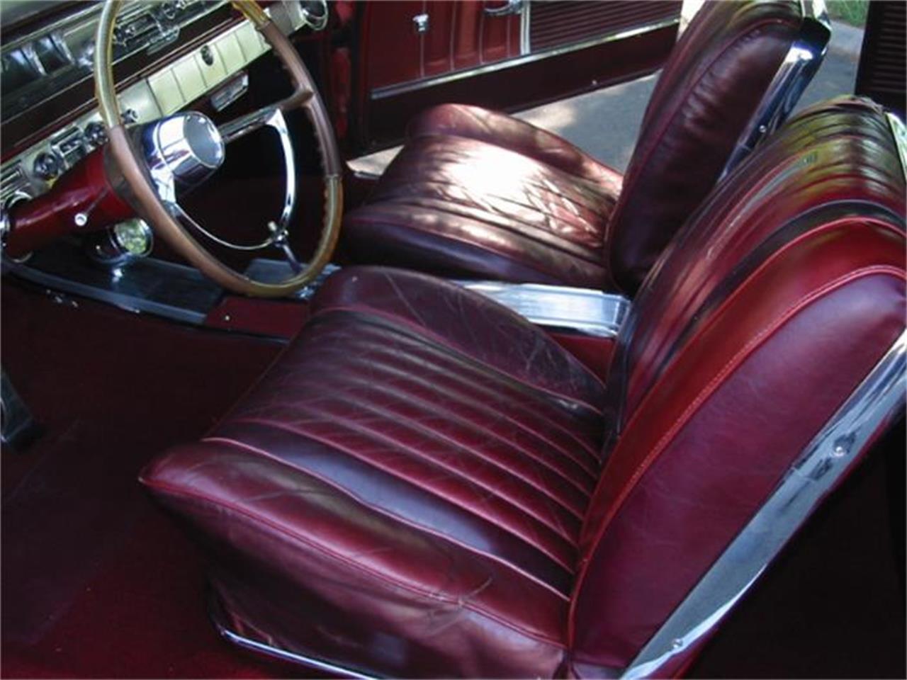 Large Picture of '62 Bonneville - FAVS