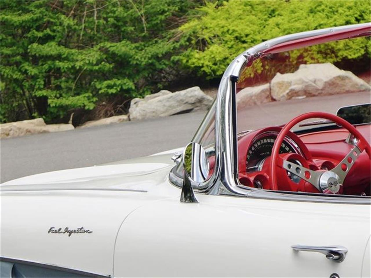 Large Picture of '61 Chevrolet Corvette located in Old Forge Pennsylvania - FBYK