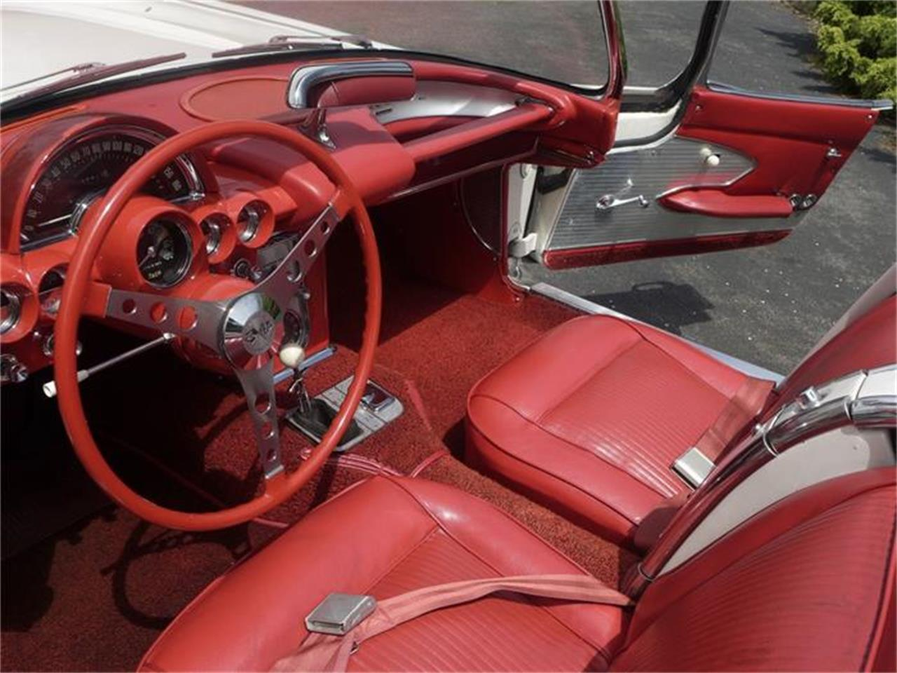 Large Picture of '61 Corvette Offered by Coffee's Sports and Classics - FBYK