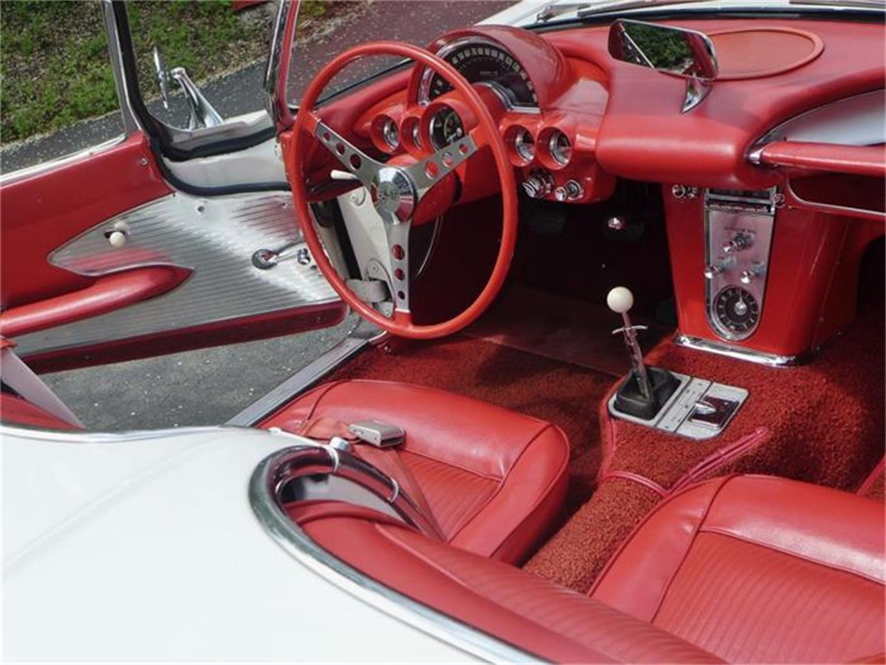 Large Picture of Classic '61 Corvette - FBYK