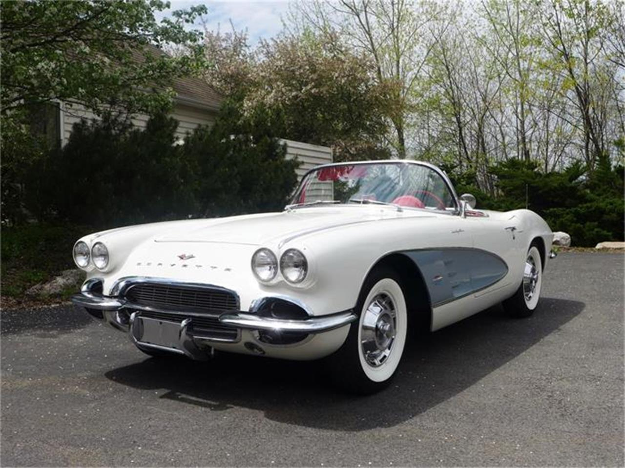 Large Picture of Classic '61 Corvette Offered by Coffee's Sports and Classics - FBYK