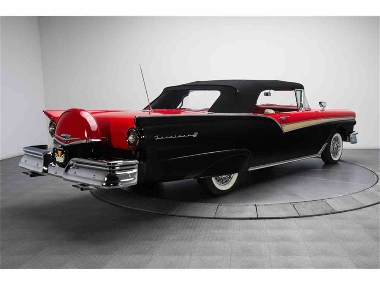 Large Picture of 1957 Ford Fairlane 500 located in Charlotte North Carolina - $94,900.00 - FC0Y