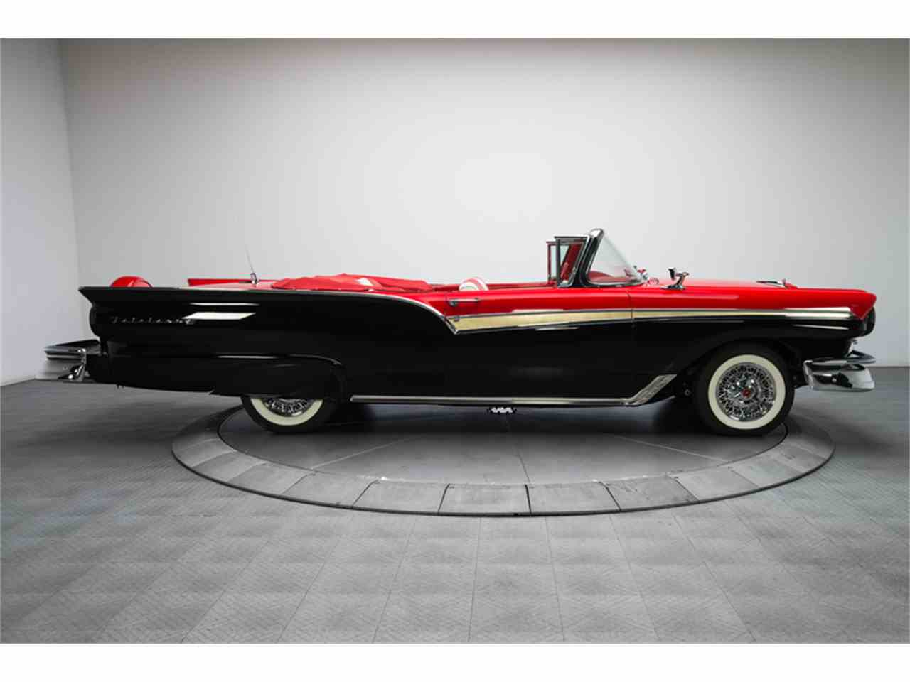 Large Picture of Classic '57 Ford Fairlane 500 located in North Carolina - $94,900.00 - FC0Y