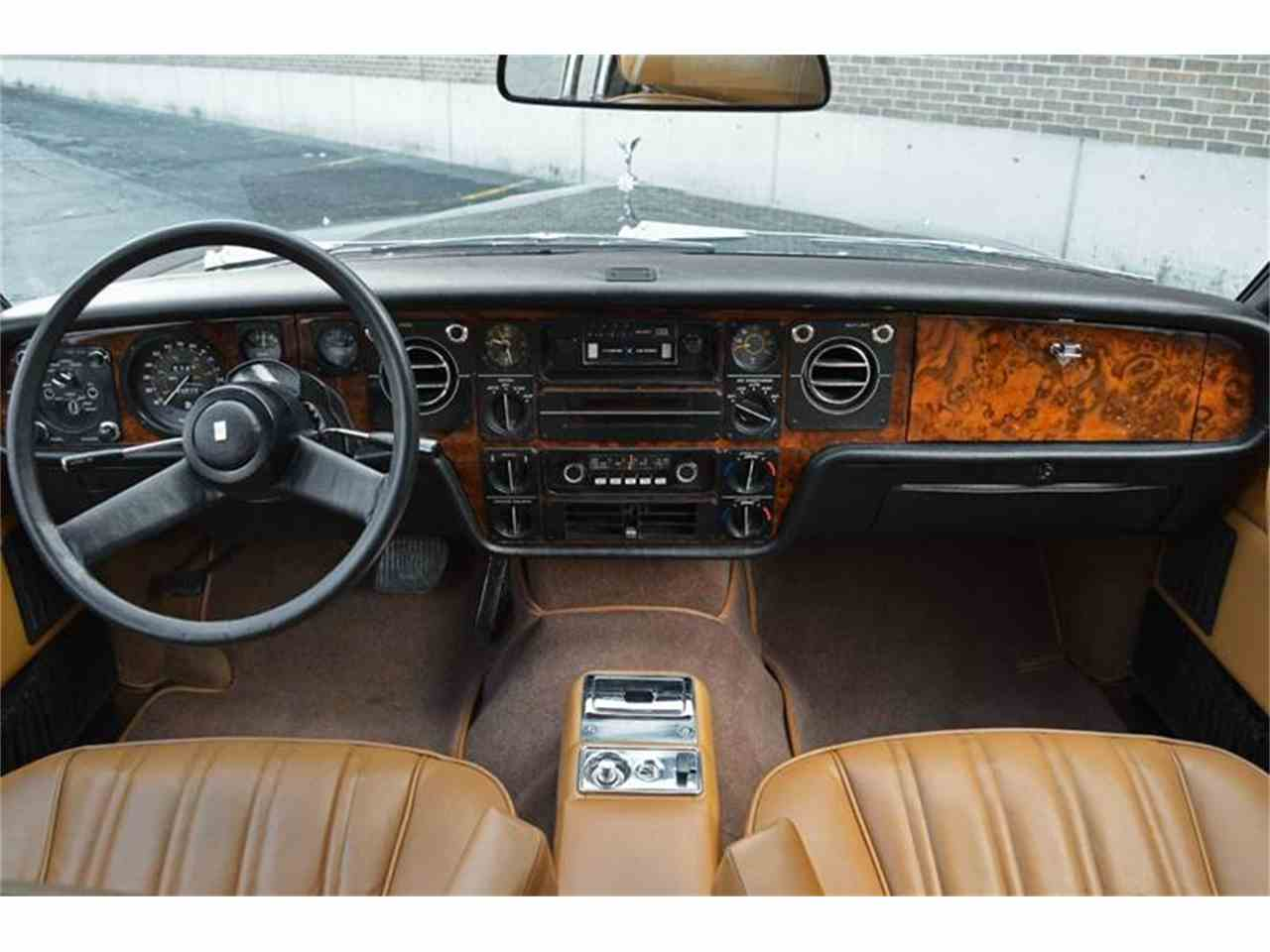 Large Picture of '76 Rolls-Royce Corniche Offered by Park-Ward Motors - F89V
