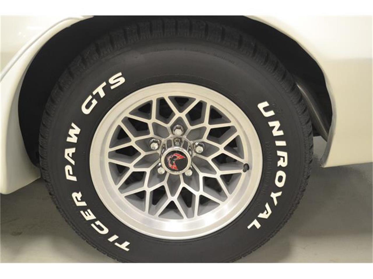Large Picture of 1977 Pontiac Firebird Trans Am - $22,900.00 - F8CC