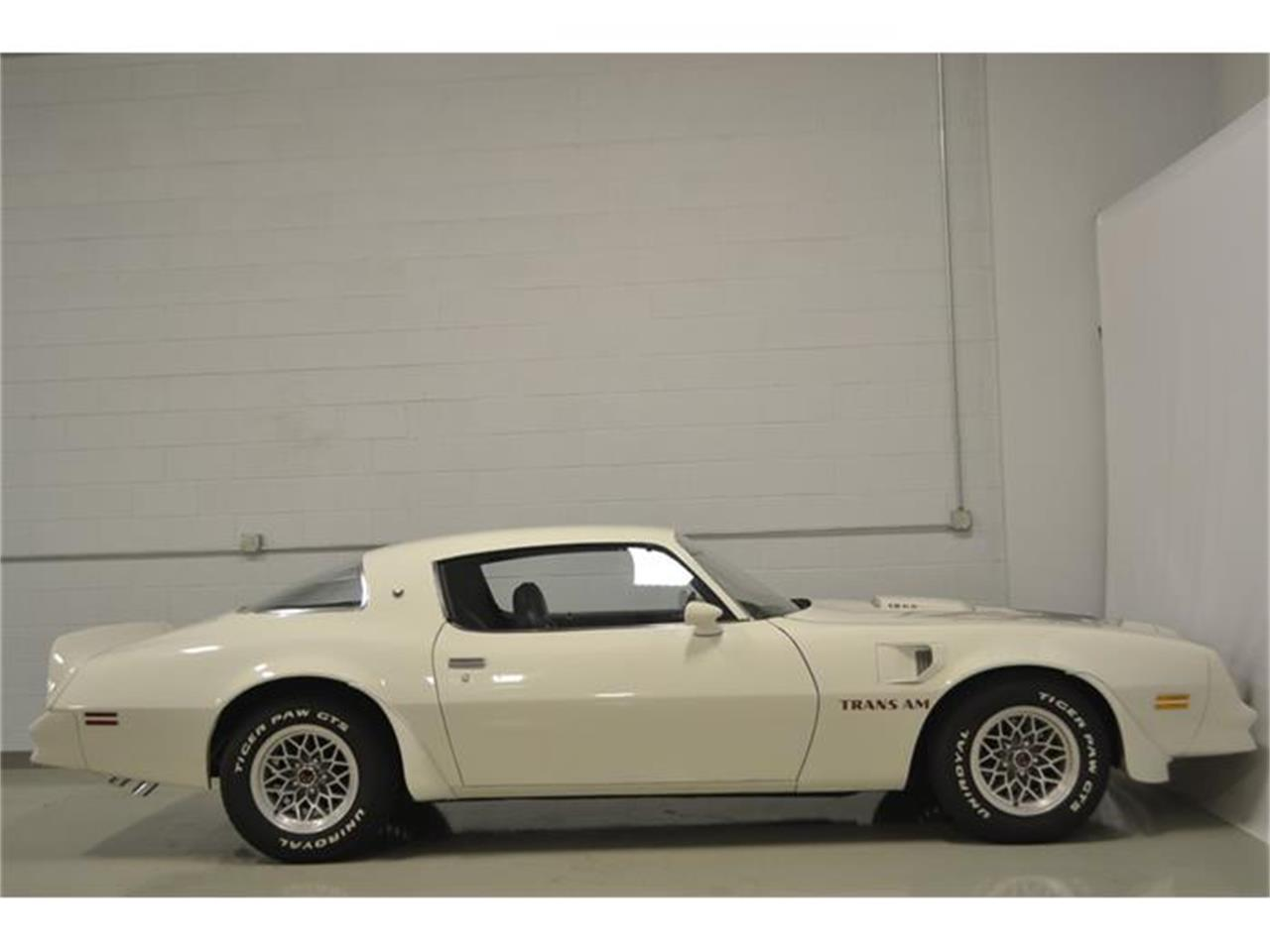 Large Picture of '77 Pontiac Firebird Trans Am located in Whiteland Indiana - $22,900.00 - F8CC