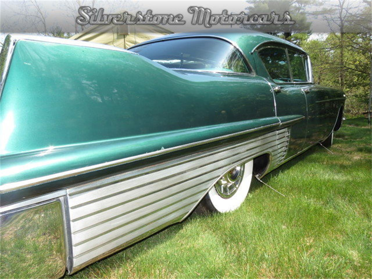 Large Picture of Classic 1957 Fleetwood - F8GG