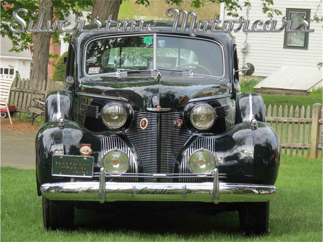 Large Picture of Classic 1939 Fleetwood Auction Vehicle Offered by Silverstone Motorcars - F8HI