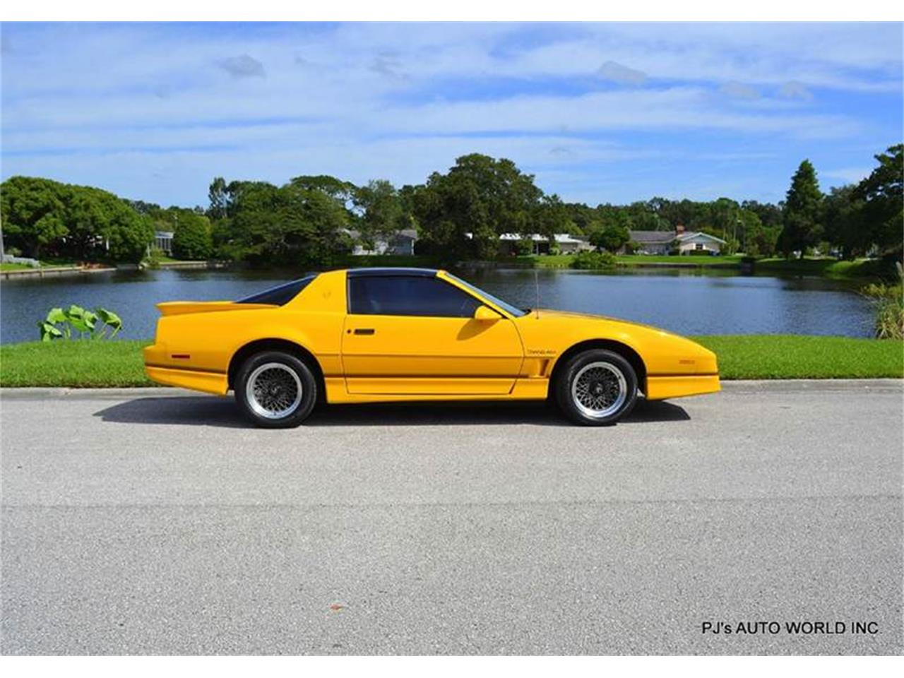 Large Picture of '86 Pontiac Firebird - $13,900.00 Offered by PJ's Auto World - FF1Q