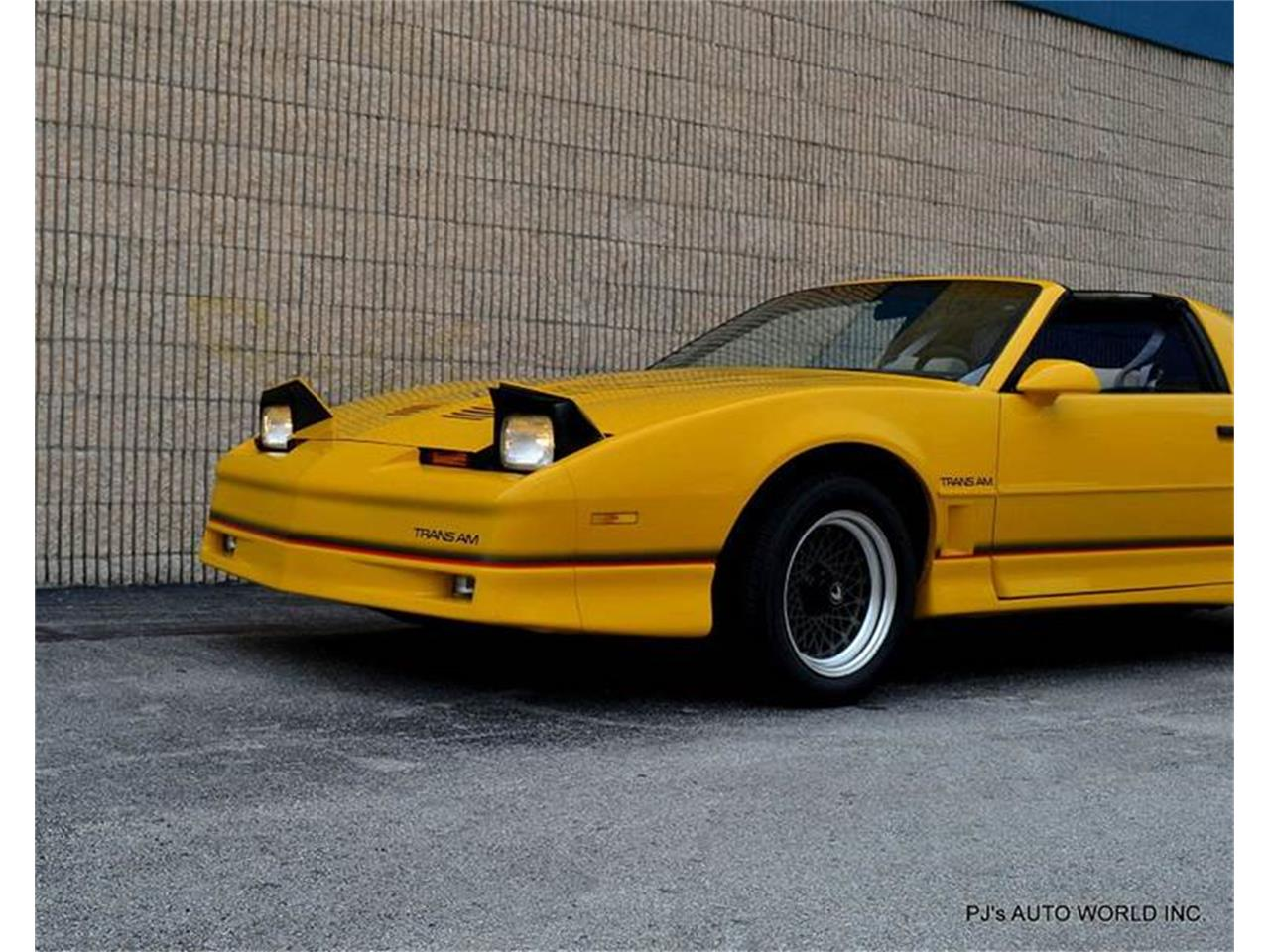 Large Picture of '86 Pontiac Firebird located in Florida - $13,900.00 Offered by PJ's Auto World - FF1Q