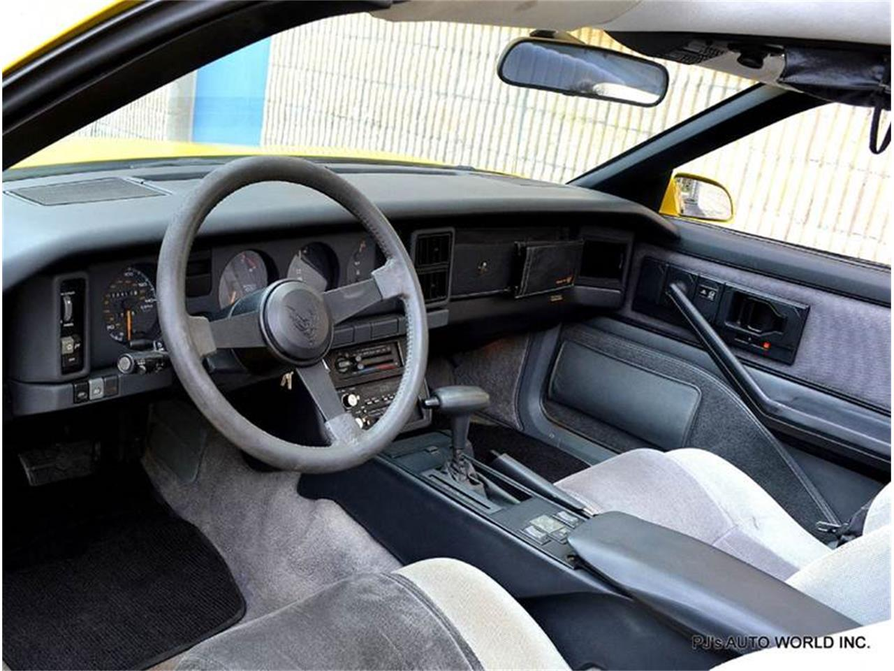 Large Picture of '86 Pontiac Firebird located in Florida - $13,900.00 - FF1Q