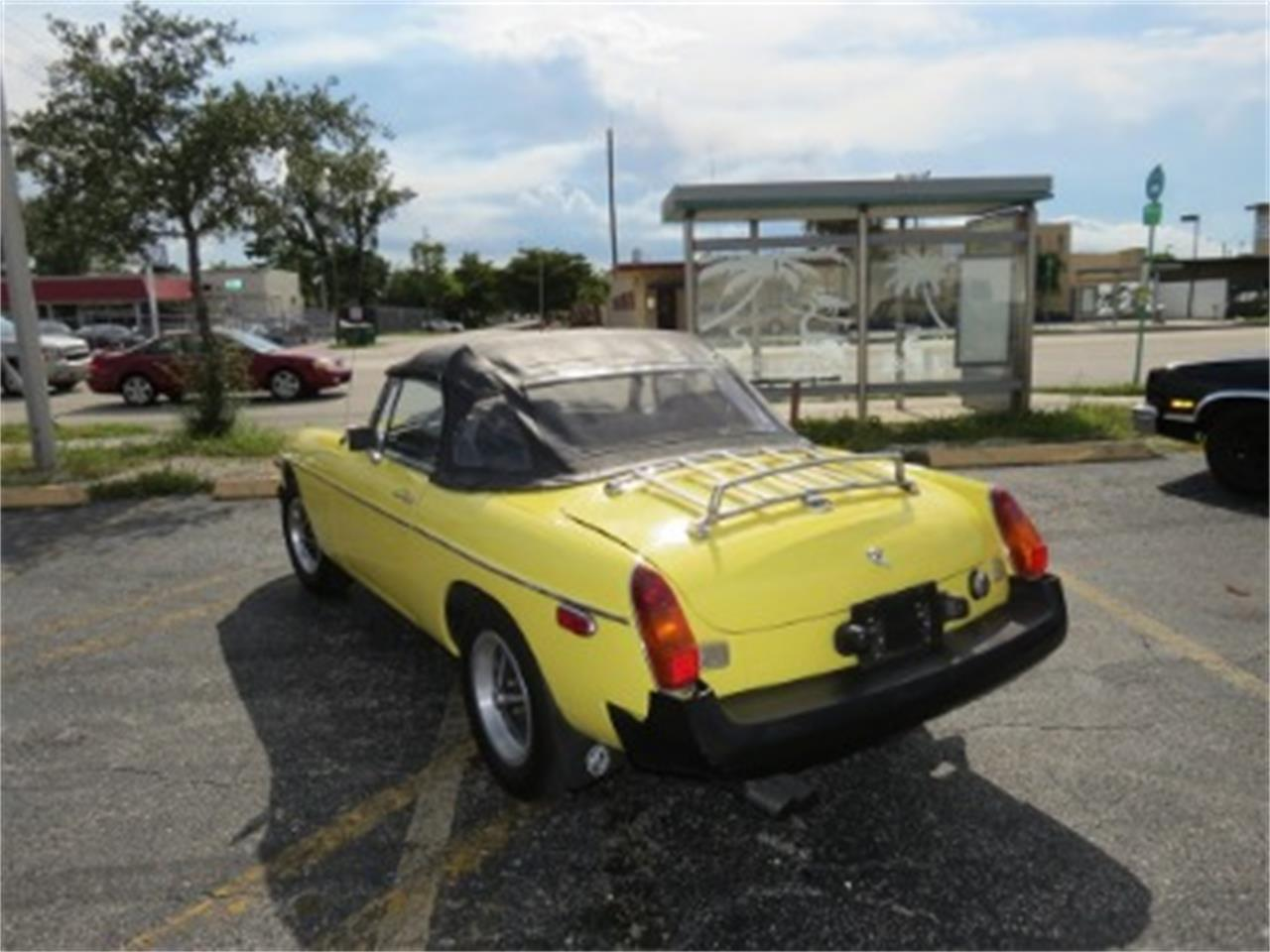 Large Picture of 1977 MG MGB - FGMU