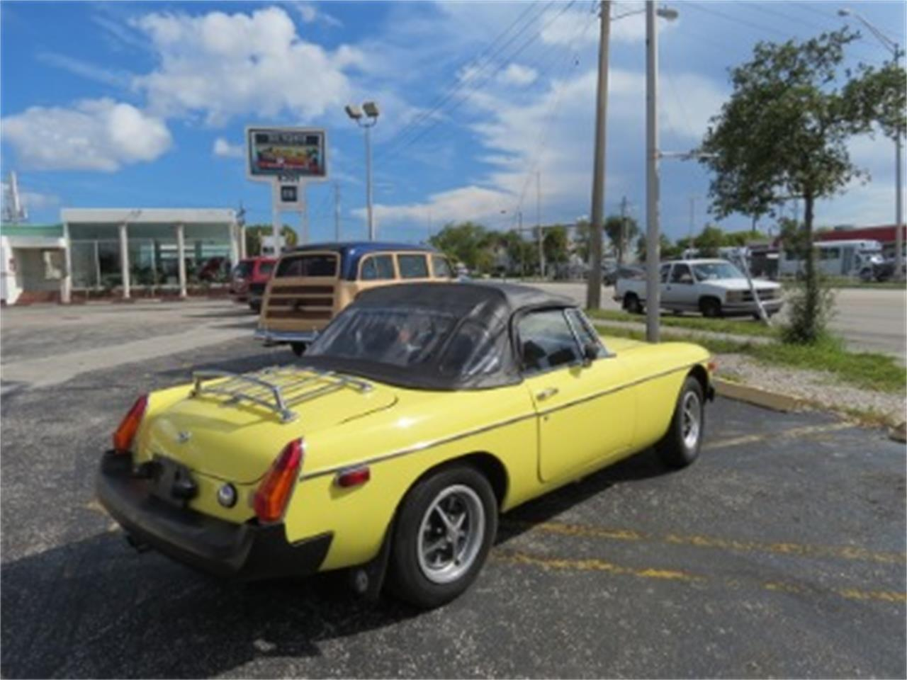 Large Picture of 1977 MG MGB located in Miami Florida - $12,500.00 Offered by Sobe Classics - FGMU