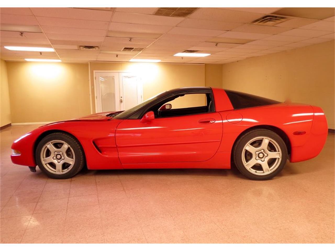 Large Picture of 1998 Chevrolet Corvette - FHW7