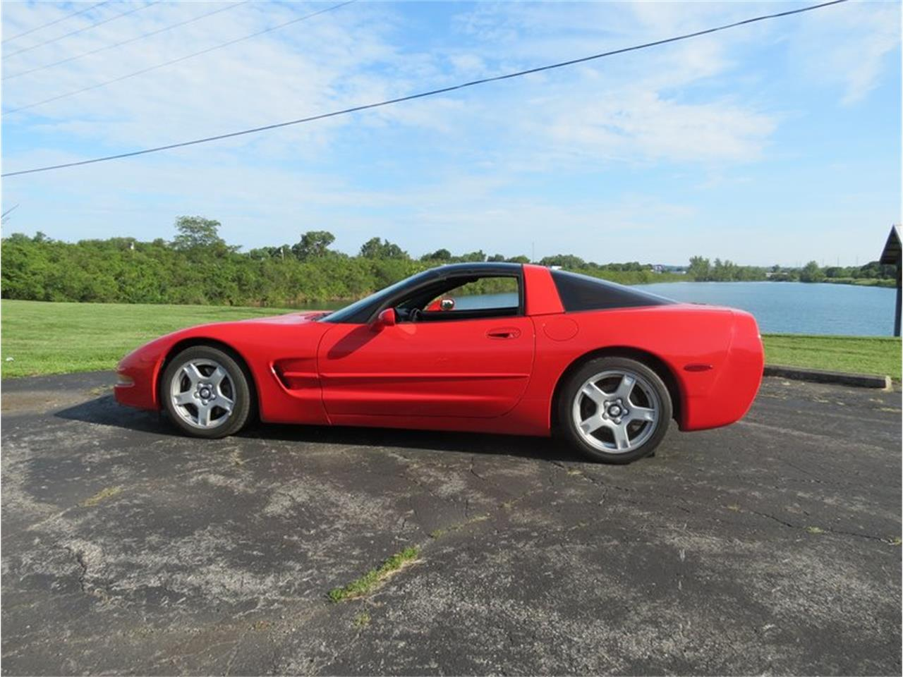 Large Picture of '98 Chevrolet Corvette located in Dayton Ohio Offered by Gem City Classic Autos - FHW7